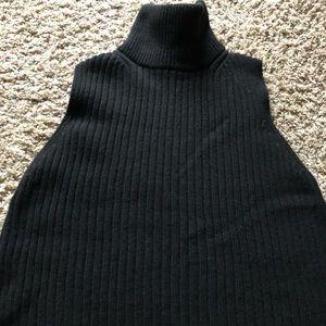 Sleeveless wool turtleneck sweater